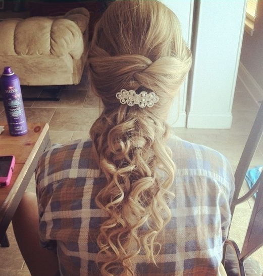 23 Prom Hairstyles Ideas For Long Hair – Popular Haircuts Inside Curly Knot Sideways Prom Hairstyles (View 23 of 25)