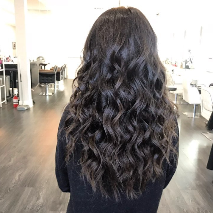 24 Long Wavy Hair Ideas That Are Freaking Hot In 2019 Pertaining To Long Hairstyles Beach Waves (View 21 of 25)