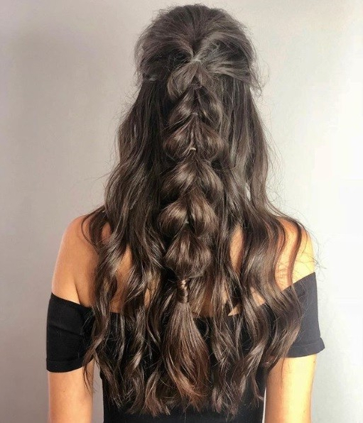 24 Top Curly Prom Hairstyles (2019 Update)   All Things Hair Uk For Charming Waves And Curls Prom Hairstyles (View 22 of 25)
