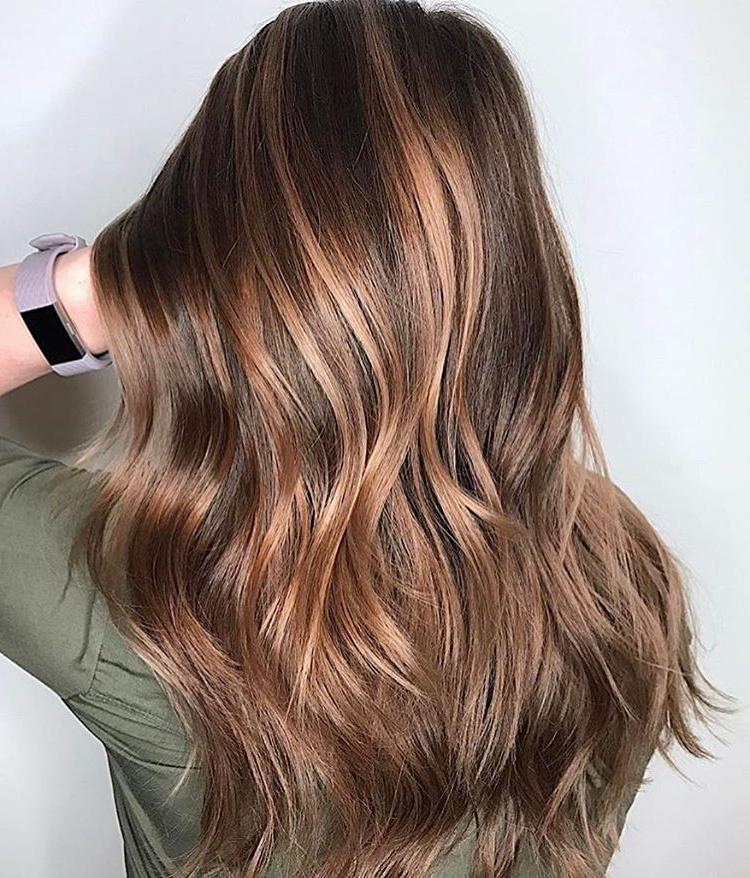 25 Exciting Medium Length Layered Haircuts – Popular Haircuts In Long Hairstyles With Layers And Highlights (View 12 of 25)