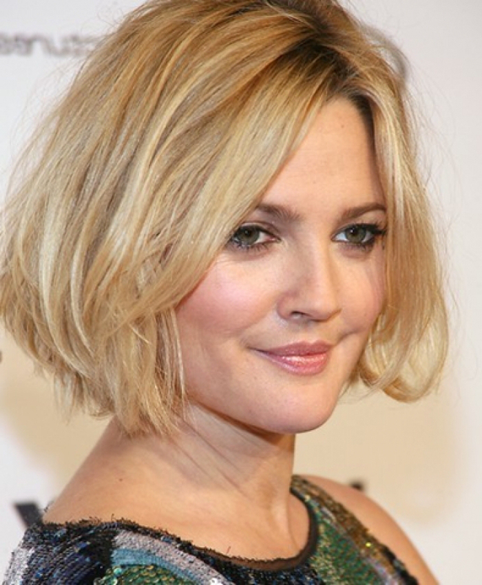 25 Hairstyles And Haircuts For Round Faces In 2016 – The Xerxes In Long Hairstyles For Fat Faces (View 15 of 25)