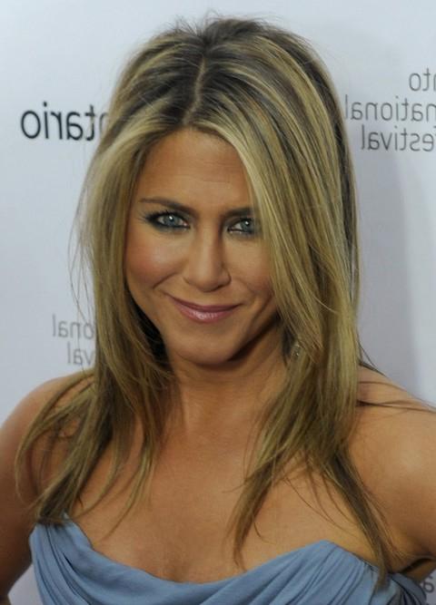 25 Jennifer Aniston Hairstyles Jennifer Aniston Hair Pictures Regarding Long Layered Hairstyles Jennifer Aniston (View 23 of 25)