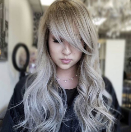 25 Long Haircuts That Add Volume And Texture To Thin Hair Types With Regard To Haircuts For Long Fine Hair With Bangs (View 11 of 25)