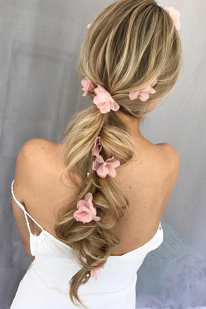 25 Wedding Hairstyles Ideas For Brides With Thin Hair – My Stylish Zoo Inside Wedding Updos For Long Thin Hair (View 17 of 25)