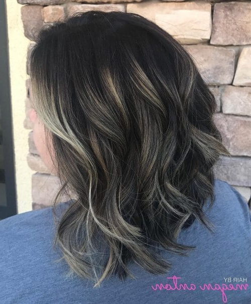 27 Angled Bob Hairstyles Trending Right Right Now For 2019 Within Hairstyles Long Inverted Bob (View 9 of 25)