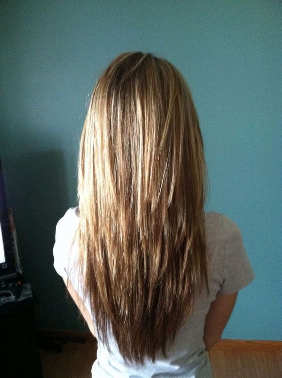 28+ Albums Of Choppy Stacked Layer Long Layered Hair | Explore Inside Choppy Layered Long Hairstyles (View 17 of 25)