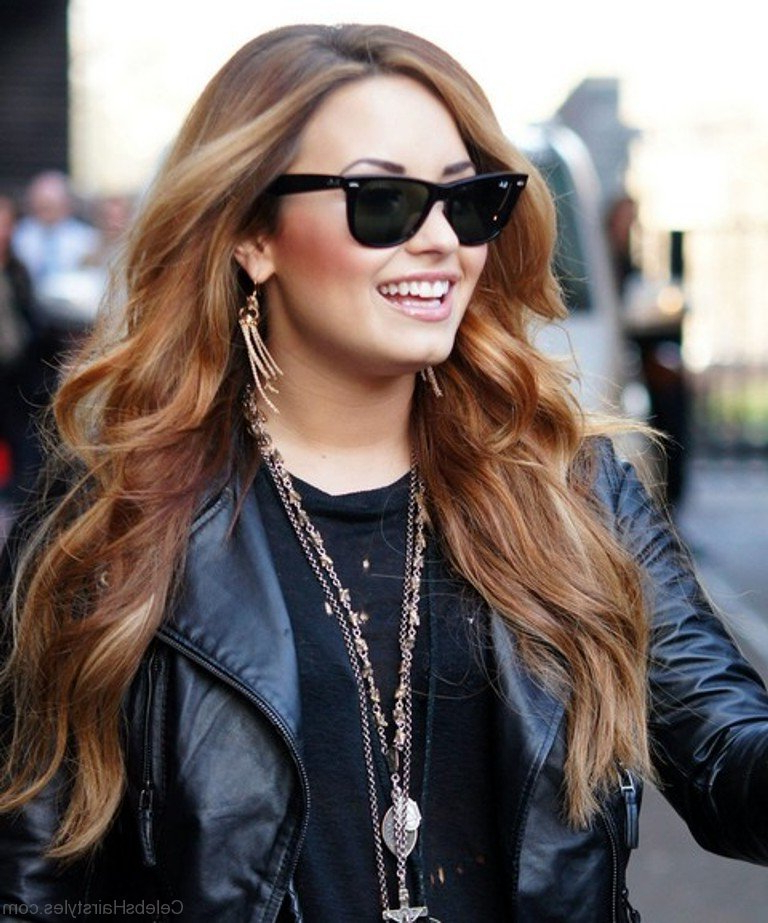 28 Outstanding Hairstyles Of Demi Lovato Pertaining To Demi Lovato Long Hairstyles (View 12 of 25)
