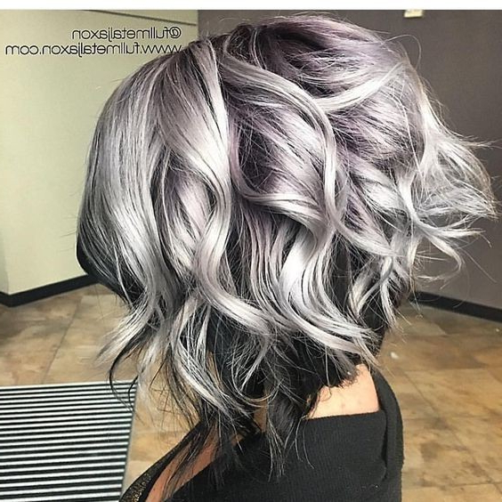 28 Super Cute Ways To Curl Your Bob – ?taliana Moda – 2019 2020 For Loose Layers Hairstyles With Silver Highlights (View 19 of 25)