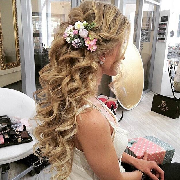 28 Trendy Wedding Hairstyles For Chic Brides | Stayglam Within Curled Floral Prom Updos (View 12 of 25)