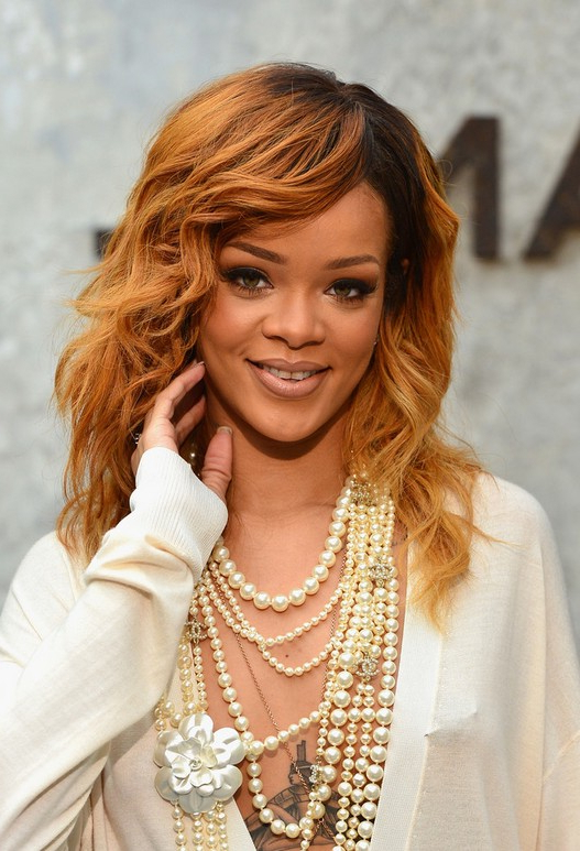 3 Rihanna Curly Hairstyles – Popular Haircuts In Rihanna Long Hairstyles (View 17 of 25)