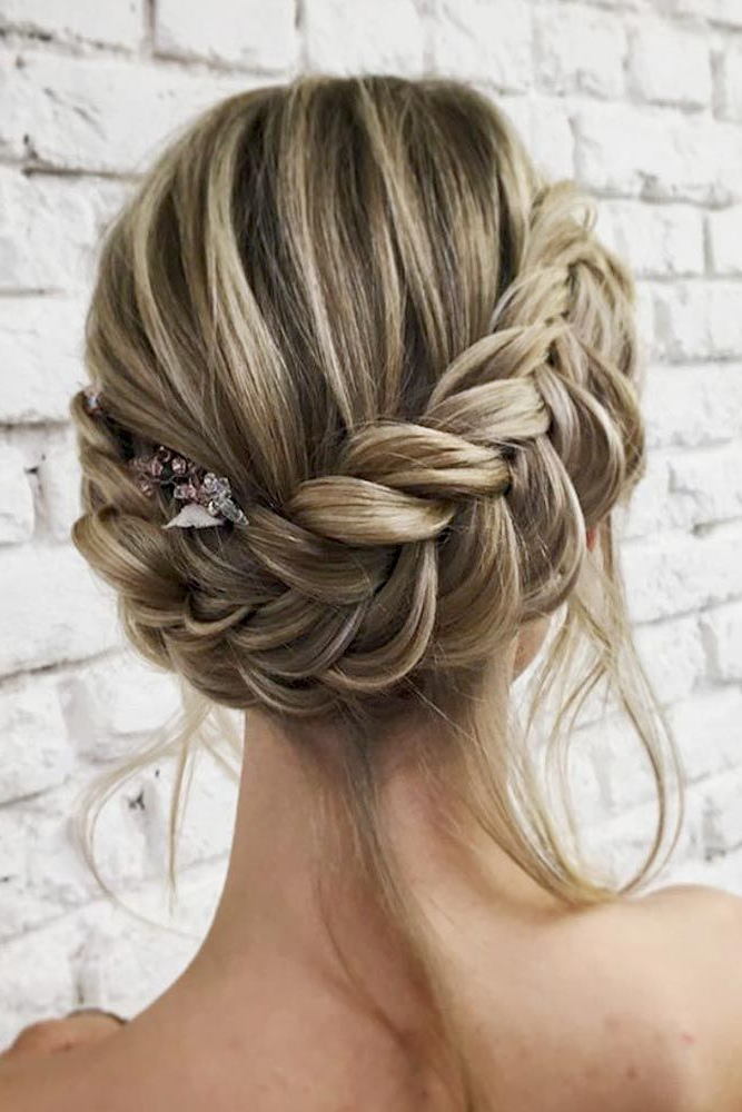 30 Charming And Dazzling Prom Updos For Women – Haircuts With Side Bun Twined Prom Hairstyles With A Braid (View 12 of 25)