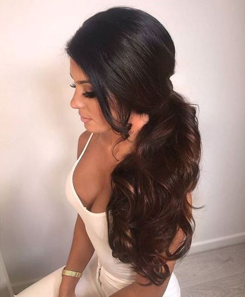30 Eye Catching Ways To Style Curly And Wavy Ponytails In 2019 Intended For Low Curly Side Ponytail Hairstyles For Prom (View 5 of 25)