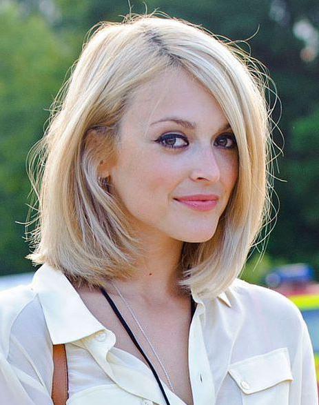 30 Medium Hairstyles For Thick Hair To Complement Your Look Regarding Medium Long Haircuts For Thick Hair (View 24 of 25)