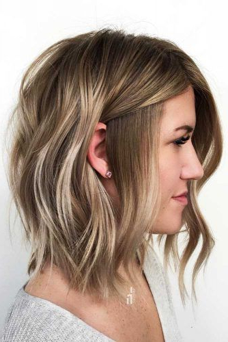 30 Medium Length Hairstyles Ideal For Thick Hair | Lovehairstyles With Regard To Medium Long Haircuts For Thick Hair (View 16 of 25)