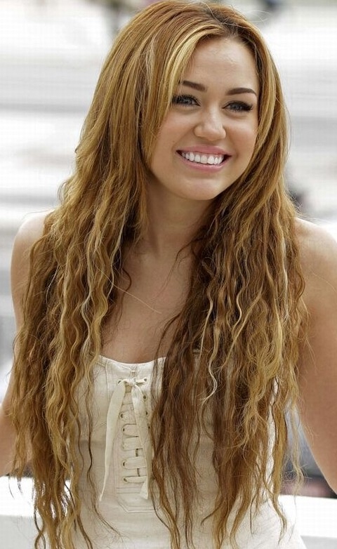 30 Miley Cyrus Hairstyles – Pretty Designs Pertaining To Miley Cyrus Long Hairstyles (View 6 of 25)