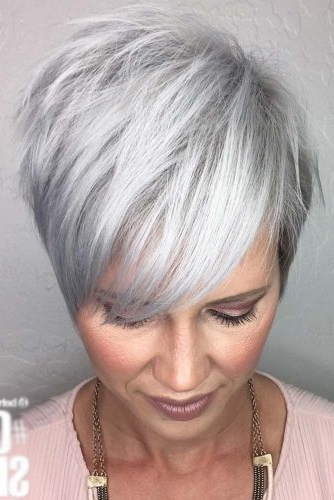 30 Sassy Hairstyles For Women Over 40 | Lovehairstyles Within Long Hairstyles For Women In Their 40S (View 21 of 25)