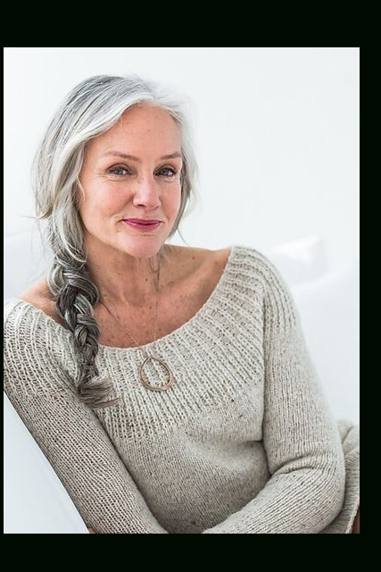 30 Stylish Gray Hair Styles For Short And Long Hair With Regard To Long Hairstyles For Grey Haired Woman (View 21 of 25)