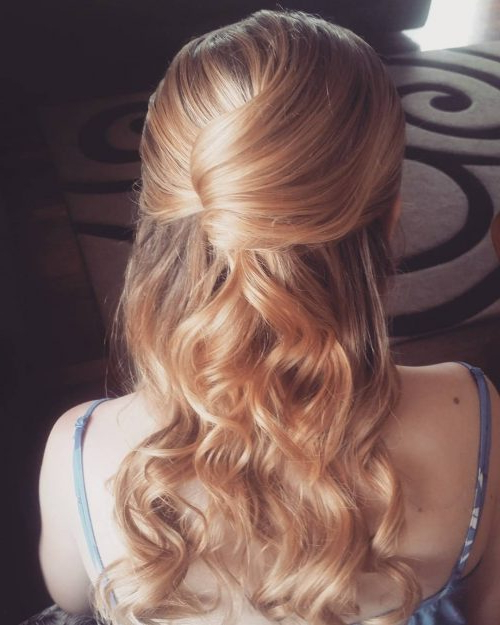 31 Prom Hairstyles For Long Hair That Are Gorgeous In 2019 Pertaining To Long Hairstyles Down For Prom (View 19 of 25)