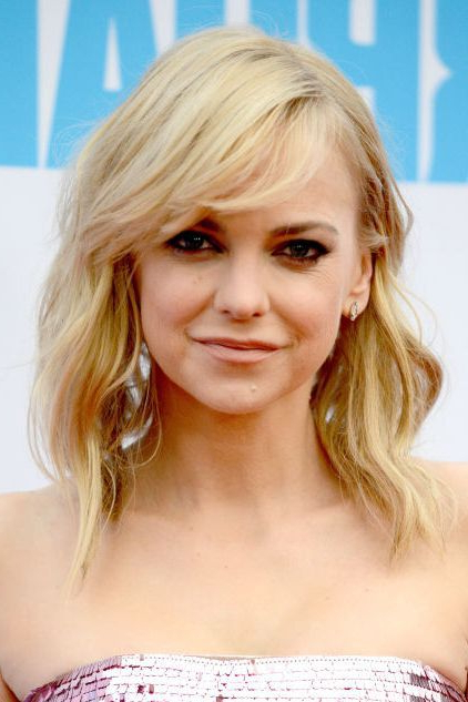 32 Best Hairstyles For Women 2018 – New Celebrity Haircut Trends Intended For Trendy Long Hairstyles With Bangs (View 25 of 25)