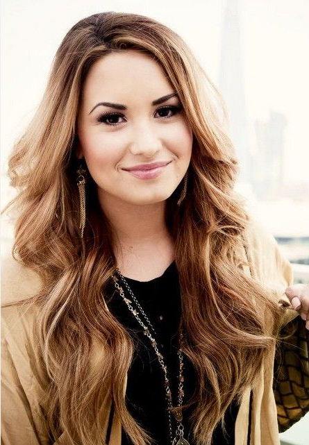 Featured Photo of Demi Lovato Long Hairstyles