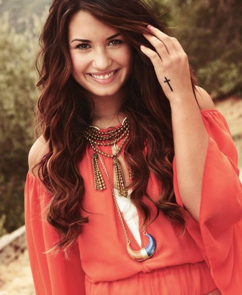 32 Demi Lovato Hair Looks – Pretty Designs Regarding Demi Lovato Long Hairstyles (View 4 of 25)