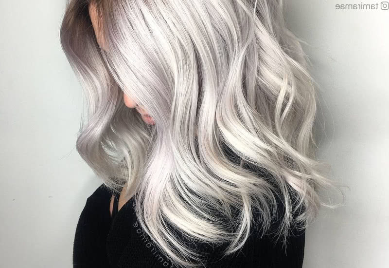 33 Best Platinum Blonde Hair Colors For 2019 Intended For Loose Layers Hairstyles With Silver Highlights (View 16 of 25)