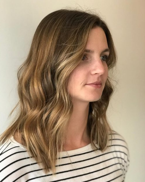 33 Most Flattering Hairstyles For Round Faces Of 2019 With Long Hairstyles For Round Faces And Thin Hair (View 13 of 25)