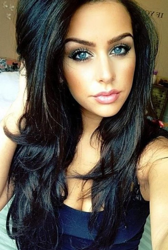 33 Stunning Hairstyles For Black Hair 2019 – Pretty Designs Inside Long Hairstyles For Dark Hair (View 8 of 25)