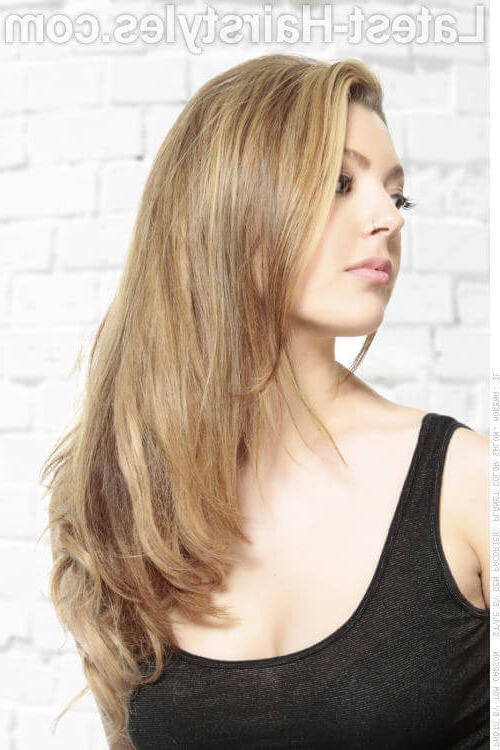 34 Best Choppy Layered Hairstyles (That Will Flatter Anyone) Intended For Razored Layers Long Hairstyles (View 16 of 25)