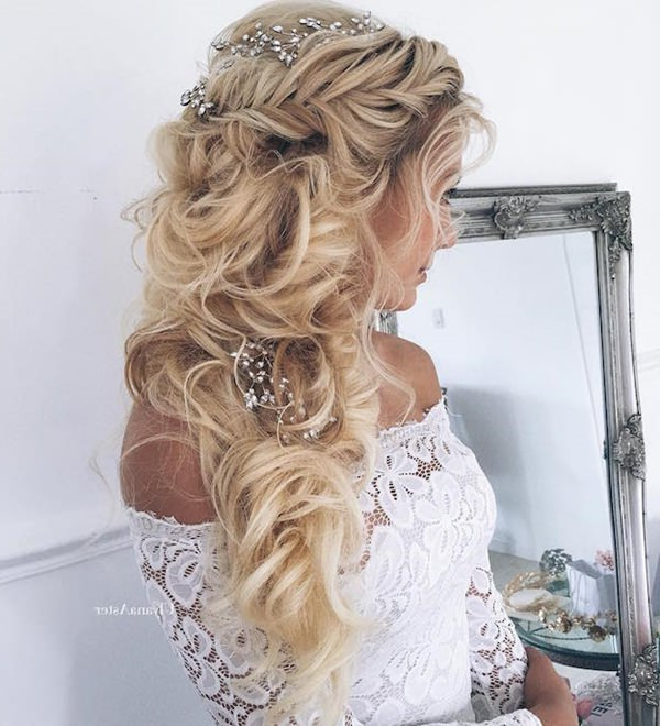 34 Easy Homecoming Hairstyles For 2019 Short,medium & Long Pertaining To Long Hairstyles For Dances (View 14 of 25)