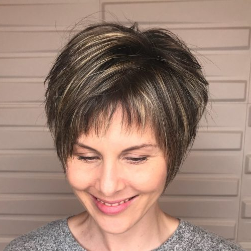 34 Short Bangs That Are Totally Hot In 2019 Within Short Fringe Long Hairstyles (View 3 of 25)