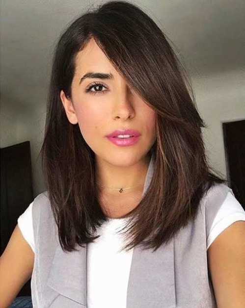 35 Long Bobs With Side Bangs To Look Like A Star [2019] Pertaining To Long Hairstyles With Long Side Bangs (View 21 of 25)