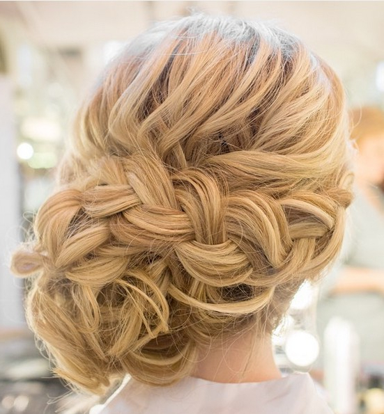 35 Romantic Wedding Updos For Medium Hair – Wedding Hairstyles 2019 Within Romantic Prom Updos With Braids (View 8 of 25)
