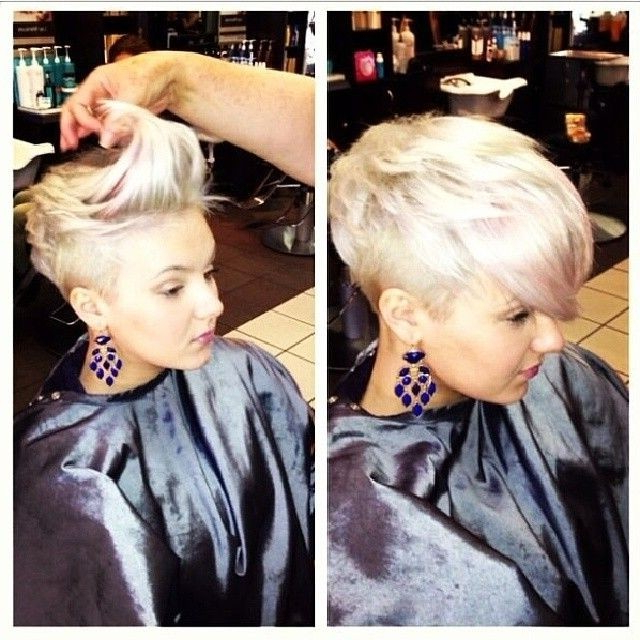 35 Vogue Hairstyles For Short Hair – Popular Haircuts Pertaining To Half Short Half Long Hairstyles (View 9 of 25)