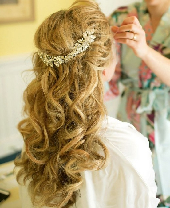 35 Wedding Hairstyles: Discover Next Year's Top Trends For Brides Regarding Long Curly Hairstyles For Wedding (View 15 of 25)