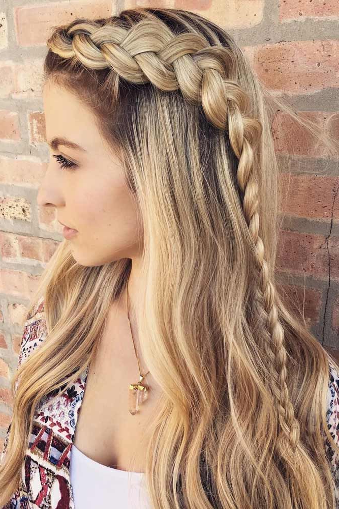 36 Amazing Graduation Hairstyles For Your Special Day | Beauty Stuff Throughout Long Hairstyles For Graduation (View 6 of 25)