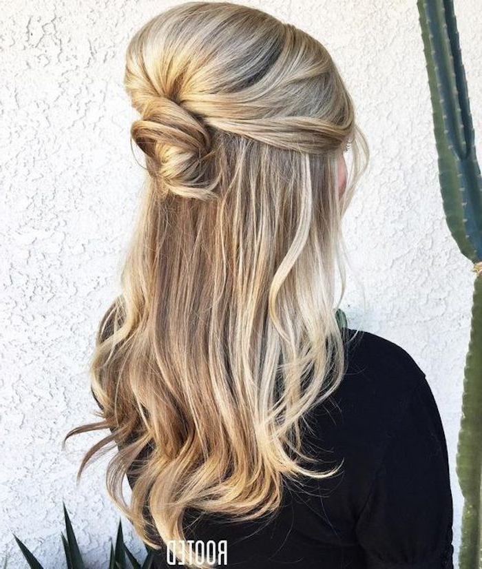 37 Beautiful Half Up Half Down Hairstyles For The Modern Bride In Wedding Half Up Long Hairstyles (View 12 of 25)