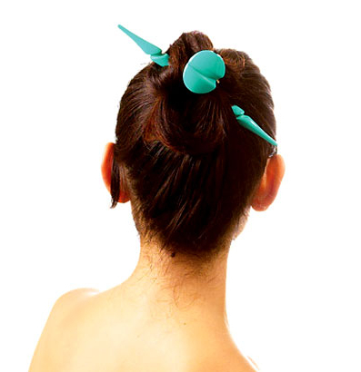 4 Different Ways To Wear Your Long Hair With Hair Accessories With Hair Clips For Thick Long Hairstyles (View 14 of 25)