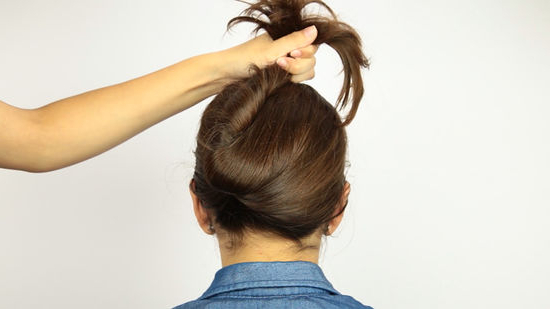 4 Ways To Put Your Hair Up With A Jaw Clip – Wikihow With Hair Clips For Thick Long Hairstyles (View 13 of 25)