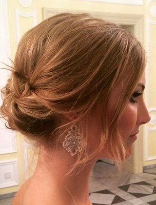 40 Casual And Formal Side Bun Hairstyles For 2019 In 2019 | Hair With Regard To Side Bun Prom Hairstyles With Black Feathers (View 2 of 25)