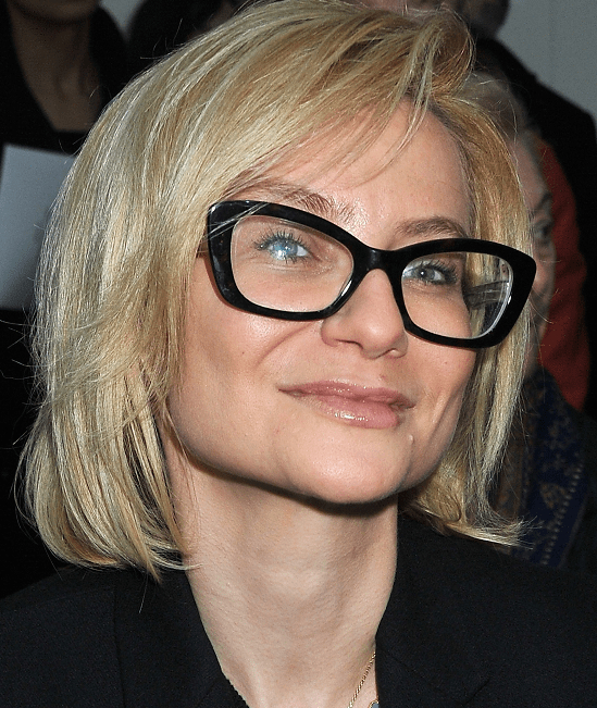 40 Classy Hairstyles For 50 To 60 Years Old Women With Glasses Pertaining To Long Hairstyles For Girls With Glasses (View 15 of 25)