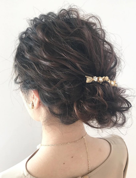 40 Gorgeous And Grown Up Ways To Wear Hair Barrettes – Thefashionspot For Side Bun Prom Hairstyles With Jewelled Barrettes (View 10 of 25)