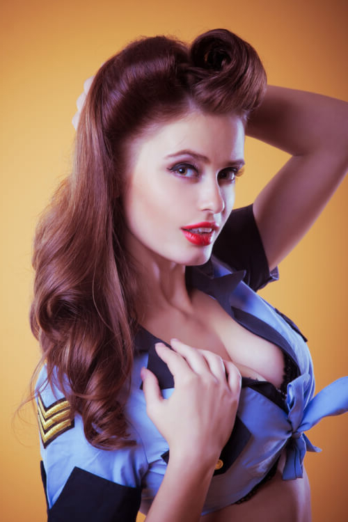 """42 Pin Up Hairstyles That Scream """"retro Chic"""" (Tutorials Included) With Regard To 50S Long Hairstyles (View 17 of 25)"""
