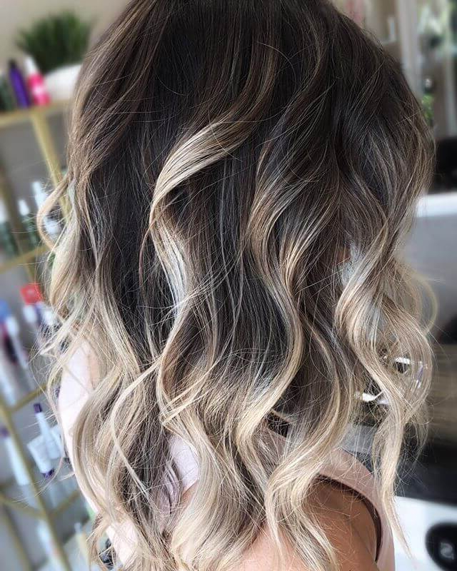 50 Best And Flattering Brown Hair With Blonde Highlights For 2019 Intended For Loose Layers Hairstyles With Silver Highlights (View 6 of 25)