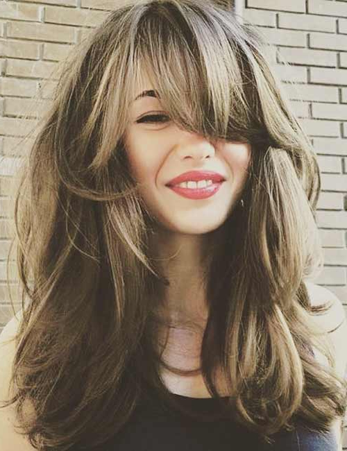 50 Best Long Hair With Bangs Looks For Women – 2019 Inside Long Haircuts Side Swept Bangs (View 10 of 25)