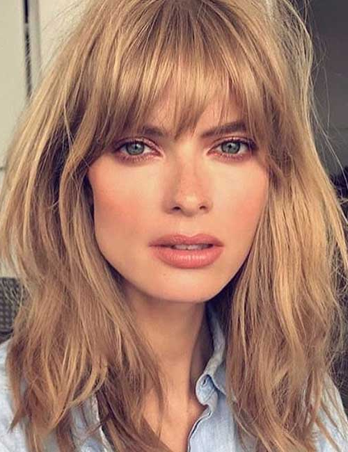50 Best Long Hair With Bangs Looks For Women – 2019 Inside Long Hairstyles With Full Fringe (View 16 of 25)