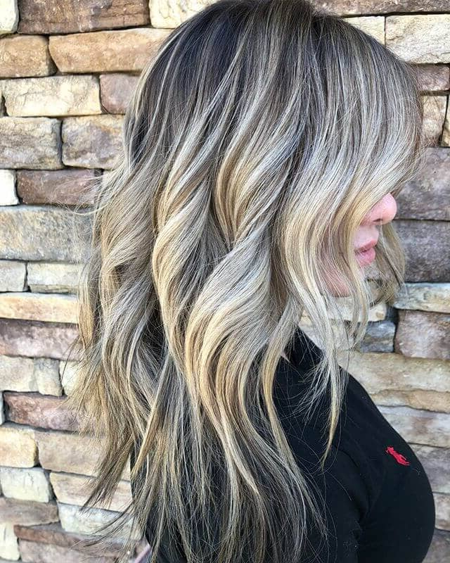 50 Brilliant Wavy Hair Ideas For Contemporary Cuts In 2019 Throughout Long Texture Revealing Layers Hairstyles (View 20 of 25)
