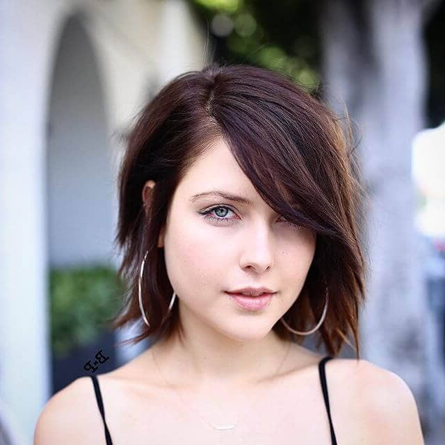 50 Fresh Hairstyle Ideas With Side Bangs To Shake Up Your Style In Long Haircuts With Swoop Bangs (View 24 of 25)