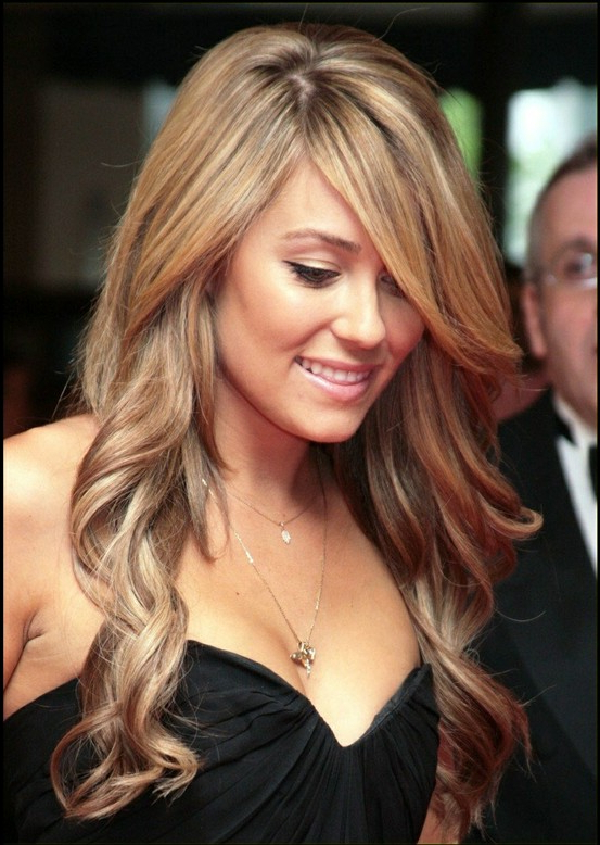 50 Glamorous And Stylish Celebrity Haircuts To Adore – Haircuts For Celebrity Long Haircuts (View 7 of 25)