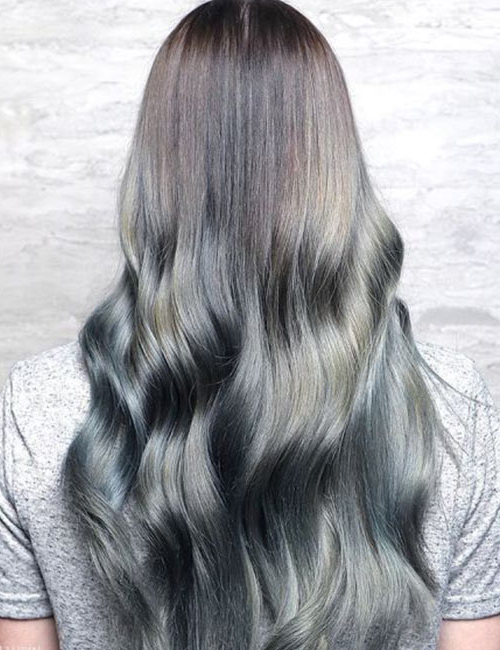 50 Gorgeous Long Layered Hairstyles Throughout Loose Layers Hairstyles With Silver Highlights (View 25 of 25)